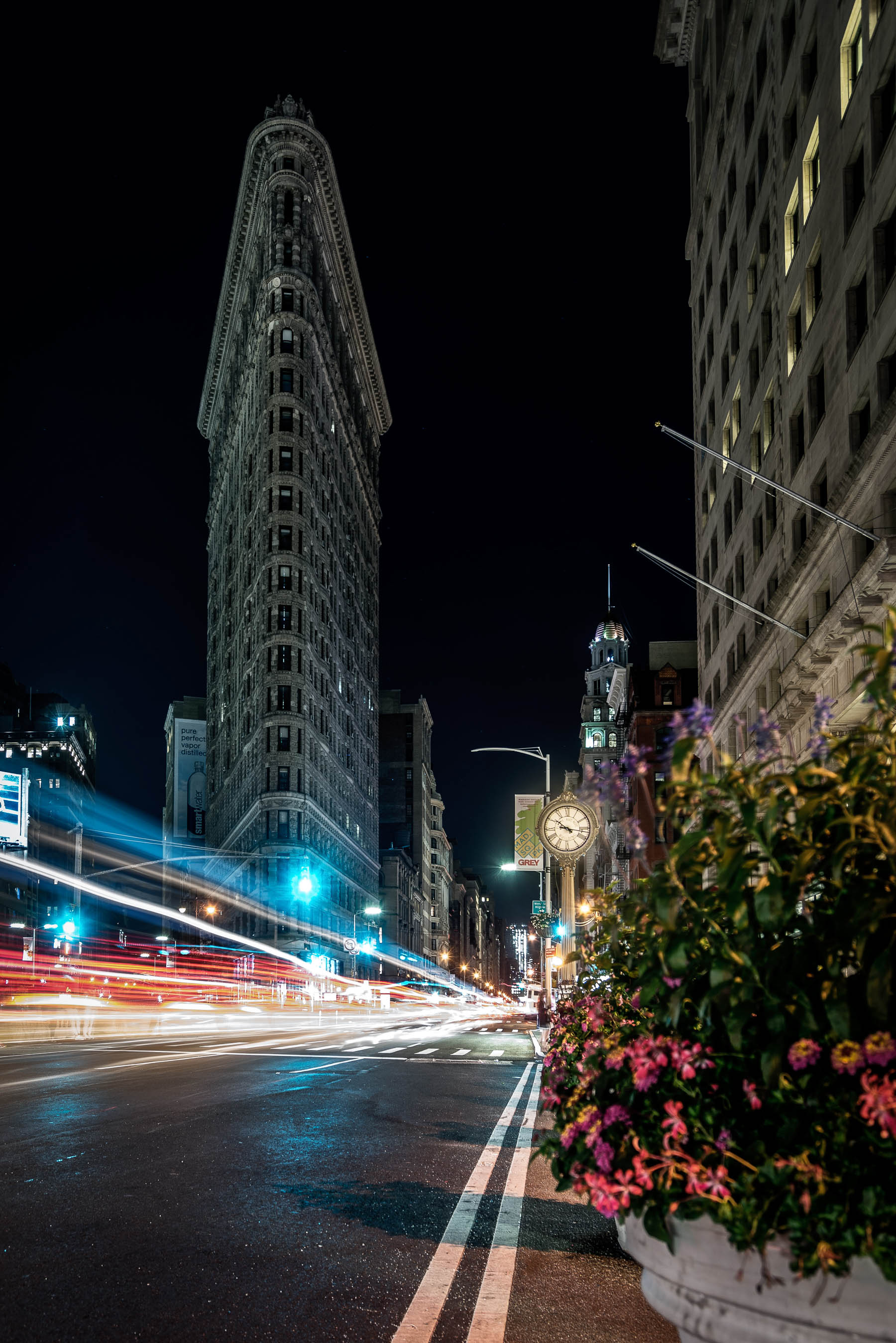 Long exposure photography at Flatiron Building in New York City